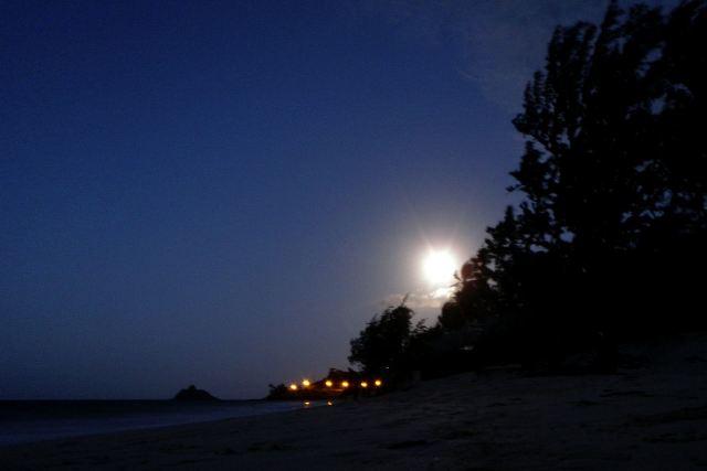 Full moon from Kailua Beach.