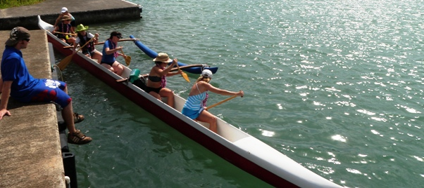 6 paddlers taking a Hawaiian canoe out for a spin in Kaneohe Bay!